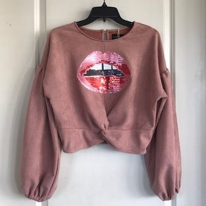 "Mauve ""lips"" top"